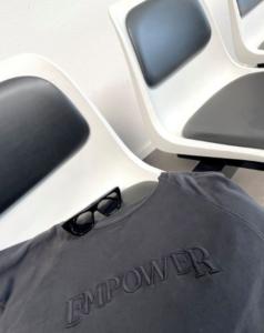 T-shirt Empower